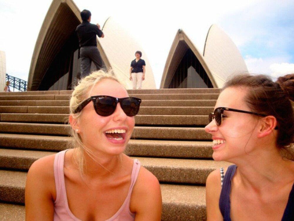 Lachen vor dem Opernhaus, Sydney - Master Studium Australien