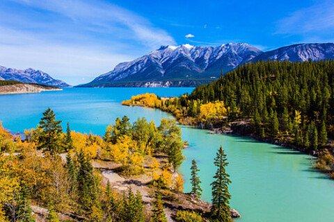 Berge und See in Kanada