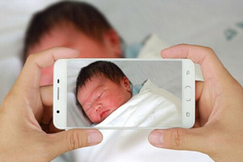 Social media and mother child bonding