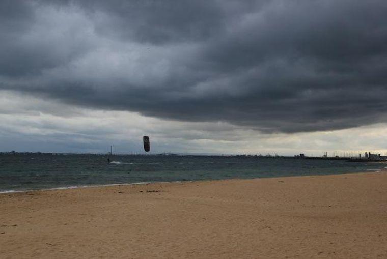 Kitesurfing in St Kilda
