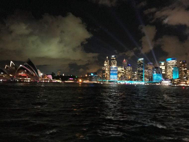 Erfahrungsbericht Adjan Sydney bei Nacht