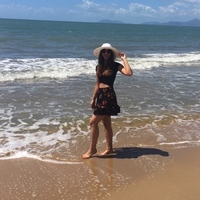 Studentin am Palm Beach Cairns