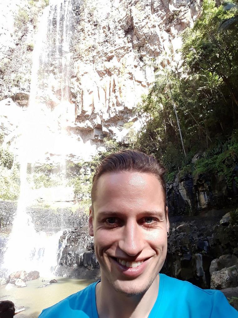 Erfahrungsbericht Mueller van Ishem Australien Wasserfall Porträt