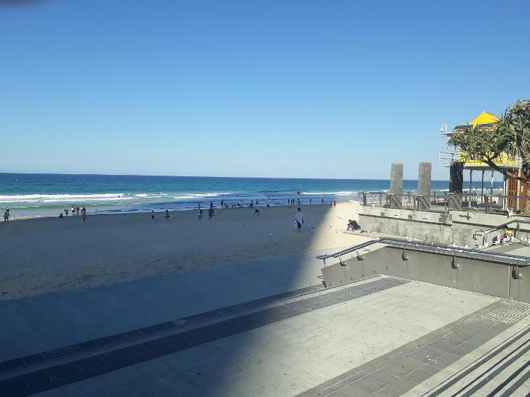 Erfahrungsbericht Mueller van Ishem Australien Strand Surfers Paradise