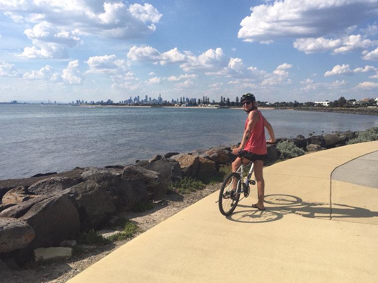 Blick auf Melbourne nahe Brighton Beach