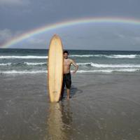Brüning mit Surfbrett